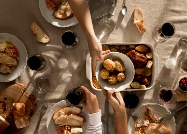 Optar por um azeite para presente é uma boa forma de agradar a família toda.